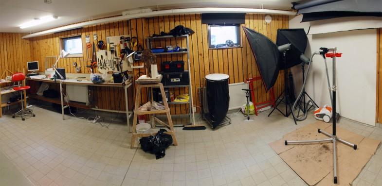 Min atelje. Jag har byggt upp en allmän verkstad för de som bor i mitt bostadsområde, som jag också använder som atelje.